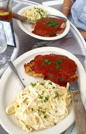 Bemus Point, NY: Chicken Parmigiana & Linguine Alfredo