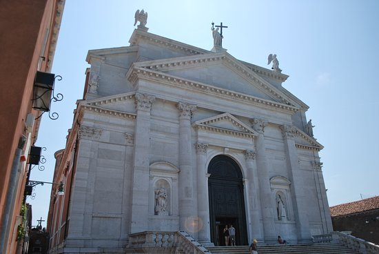 La Giudecca: Churches and museums to browse around