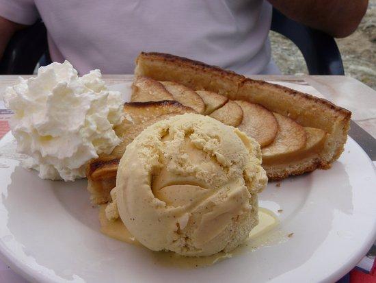 Le Reposoir, Prancis: tarte aux pommes