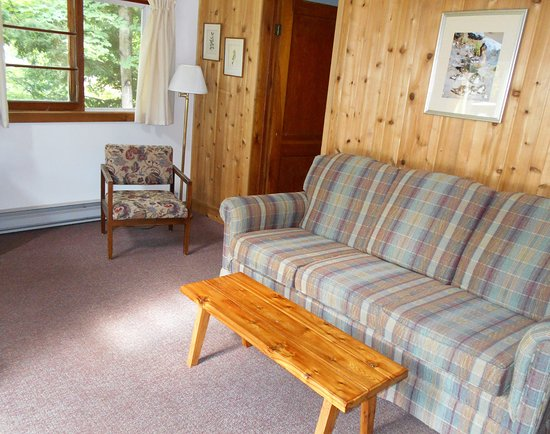 Lumina Resort: The living room of our Laughing Loon cabin.