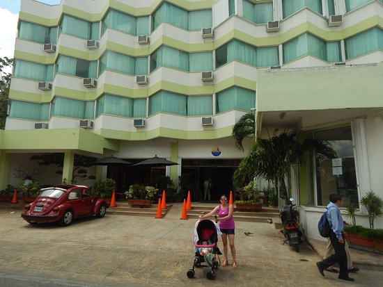 Hotel Plaza Cozumel: Vista Exterior del Hotel...