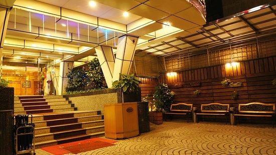 Oriental Hotel : 飯店招牌