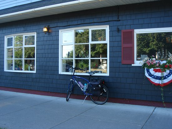 Cape Vincent, NY: Good breakfast on a solo Bicycle Tour