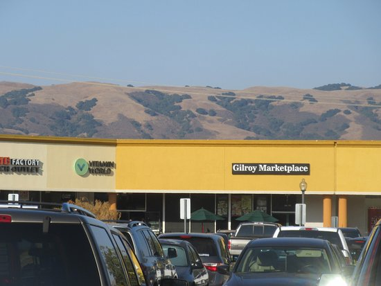 Gilroy Premium Outlets, Gilroy, Ca