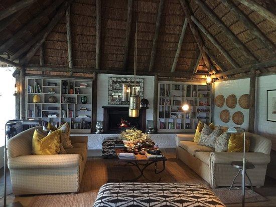 Tanda Tula Safari Camp: Common Area