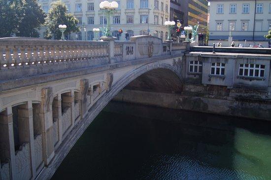 Ponte Dos Dragoes Fotografia De Puente De Los Dragones Liubliana