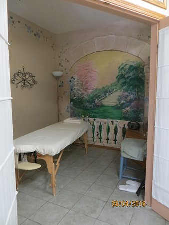 Tuckers Inn B&B and Spa: They also offer spa services..