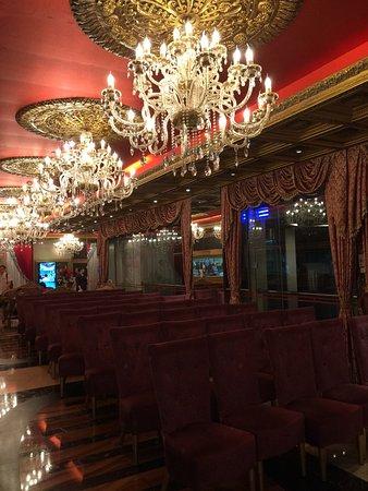 Jin Huang Ting: interior decoration