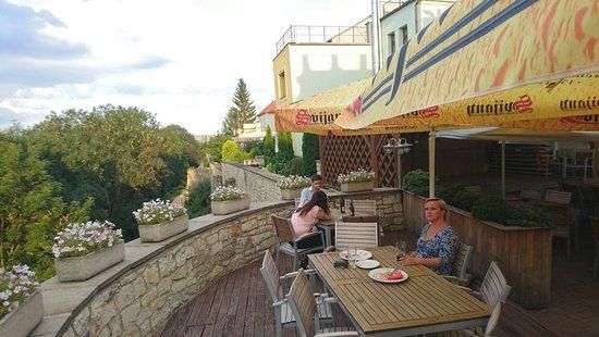Louny, Czech Republic: Terasa restaurace