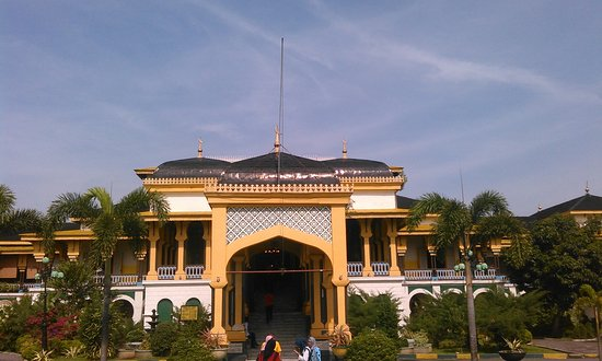 maimun palace sisi depan istana