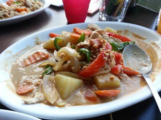 Sukho Thai: Gang Mus-Sa-Mun Curry