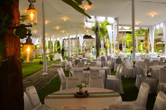 Gazebo garden restaurant picture of mandira baruga yogyakarta mandira baruga beautiful decoration for white wedding party junglespirit Choice Image