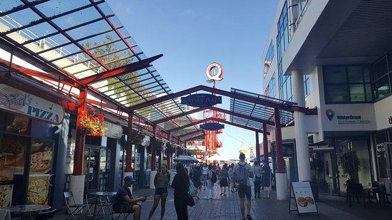 Норт-Ванкувер, Канада: Lonsdale Quay Market