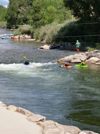 River's Edge: All kind of activities next to the restaurant