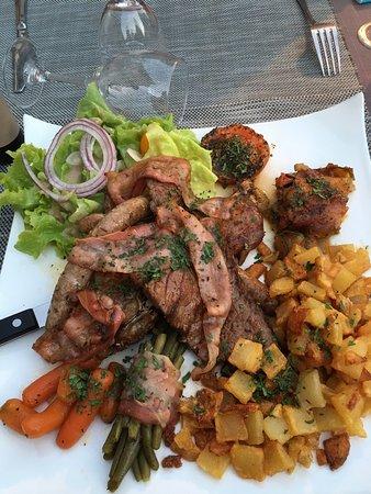 Meyssac, Frankrig: Mix Grill et filet de bœuf: à tomber par terre!!!