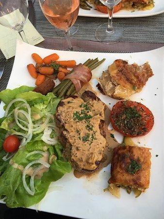Meyssac, Fransa: Mix Grill et filet de bœuf: à tomber par terre!!!