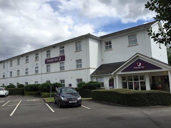 Premier Inn Cheltenham Central (West/A40) Hotel : photo0.jpg