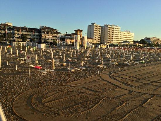 Lignano Sabbiadoro, Italien: Non sento il mare!