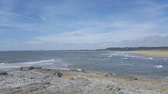Ogmore by Sea Beach: The beach just short of high tide