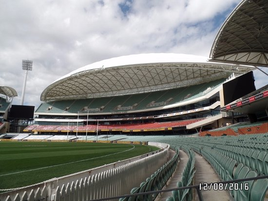 how to get to adelaide oval