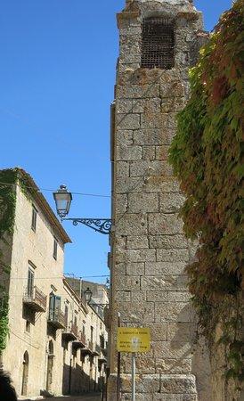 Polizzi Generosa, Italie : Torre campanaria