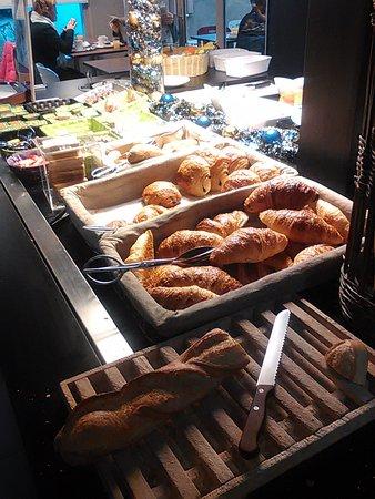 Cran-Gevrier, Francia: colazione!