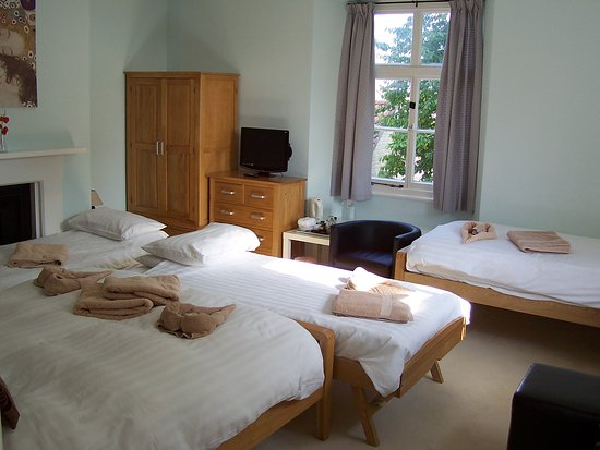 Trimnells House : Family room 3 with an extra bed. (5 persons)