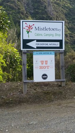 Marlborough Region, Nueva Zelanda: Mistletoe Bay Road Entrance.
