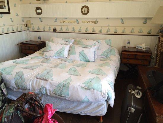 Hotel Beausejour : La chambre et l'hotel