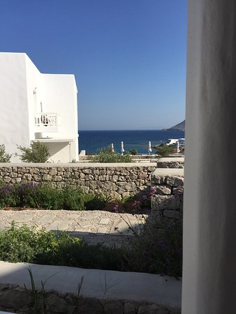 Milos Breeze Boutique Hotel