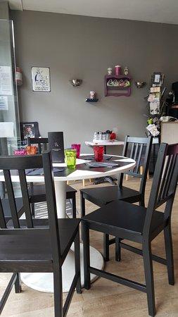 Isigny-sur-Mer, França: restaurant