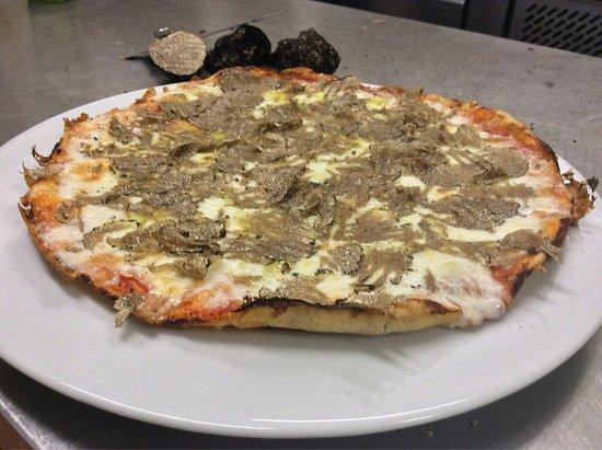 Castelfiorentino, Italia: Pizza al Tartufo 😉😉