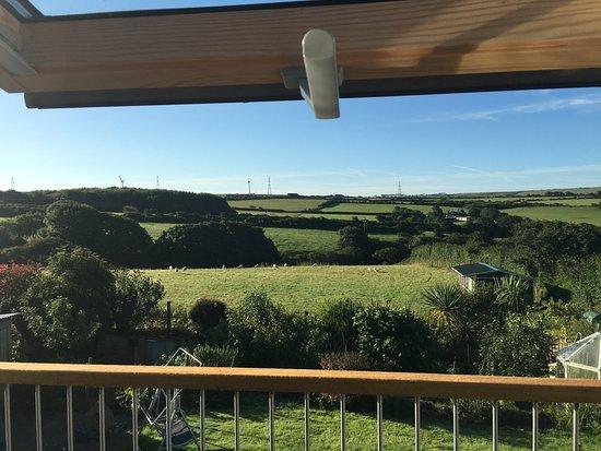 Camelford, UK: ラウンジからの眺め