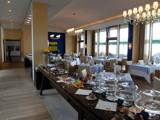 Budersand Hotel - Golf & Spa: Frühstücksbüffet