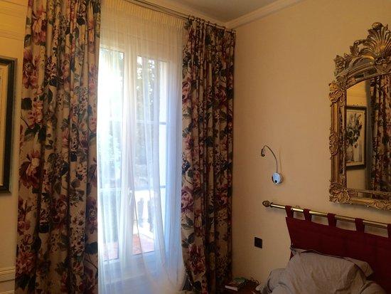 Hotel l'Ecrin: Antiquités, confort et Wifi