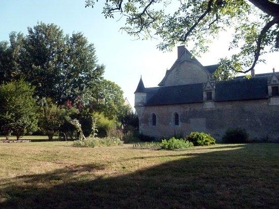 Fougeres-sur-Bievre, Frankrijk: Sue le coté...