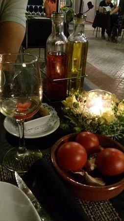 Restaurante La Estancia: De todo en la mesa.