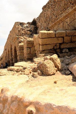 Cesarea, Israel: Aqueduct of Caesarea