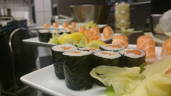 restaurant planet sushi dans clamart avec cuisine japonaise. Black Bedroom Furniture Sets. Home Design Ideas