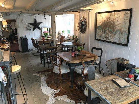 Cuckfield, UK: Sitting room