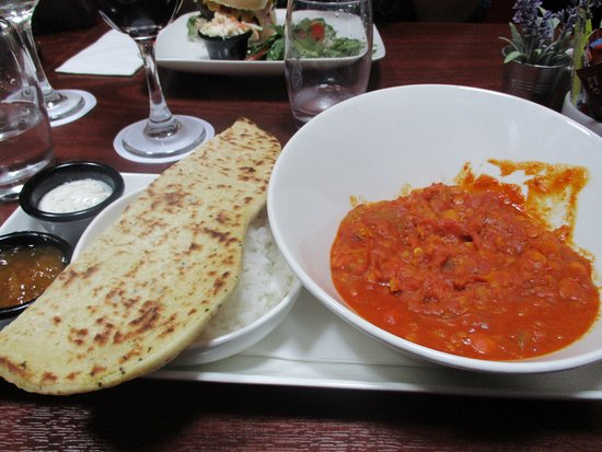 The Old Imperial Hotel: Excellent red lentil curry with rice