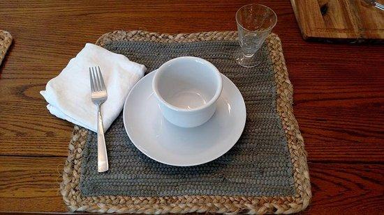 Bourne, MA: Breakfast setting