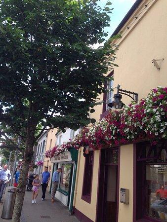 Mary O Connells Bar: photo2.jpg