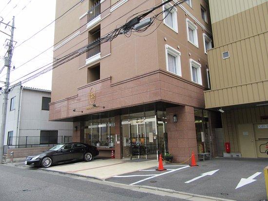 Toyoko Inn Kiryueki Minamiguchi : 外観、入口