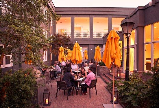 Restaurants Near Bay St Savannah Ga