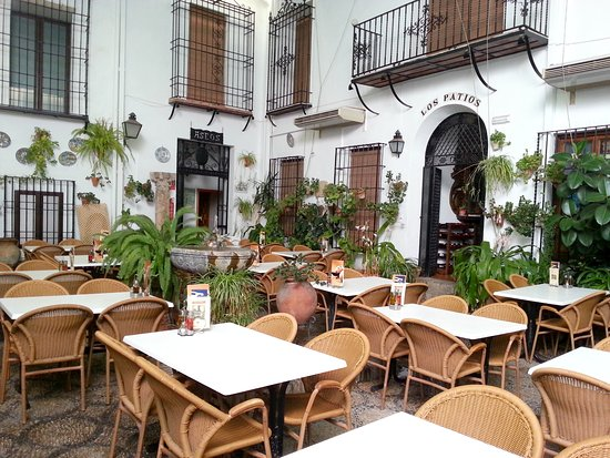 Hotel Los Patios: The restaurant