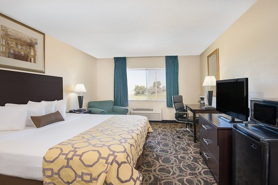 Evansville, WY : Spacious King Room