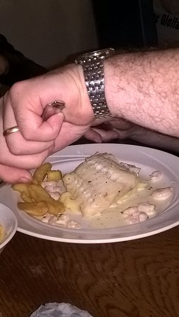 Arnolds Hotel: cod with prawn sauce and chips. In the bar.