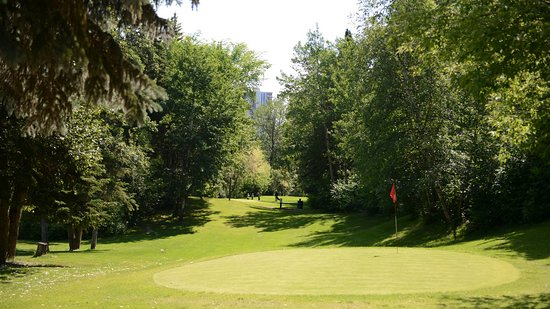 Kinsmen Pitch & Putt Golf Course