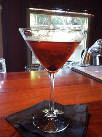 "Ashland, Oregón: Manhattan at ""Liquid Assets"""